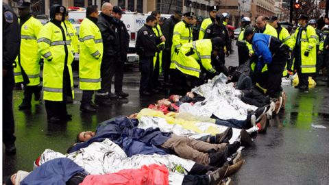 Police arrest Occupy DC demonstrators who blocked K Street in downtown Washington. December 2011. (AP Photo/Jose Luis Magana)