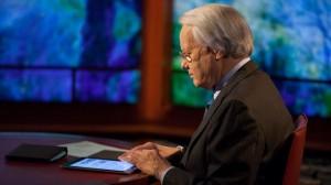 Bill Moyers reading his iPad on set (Credit: Dale Robbins)