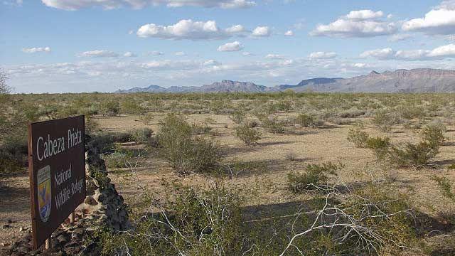 Entering the Cabeza Prieta Wildlife Refuge. El Camino del Diablo, 2004
