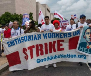 A protest outside Union Station on July 19, 2013, where dozens of concession workers walked off the job and held a rally demanding better pay from vendors in federal buildings. Courtesy of GoodJobsNation.org.