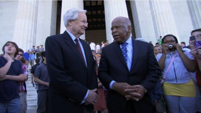 Bill Moyers and Rep. John Lewis at the Lincoln Memorial in 2013. (Photo by Peter Nelson)