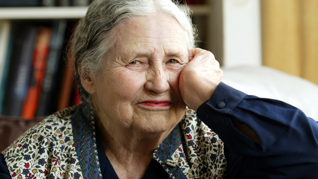 Writer Doris Lessing, 86, sits in her home in north London. (AP Photo/Martin Cleaver, File)