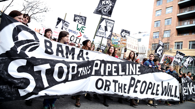 Students march toward the White House, where 400 will be arrested protesting the Keystone XL Pipeline. (Photo: John Light)