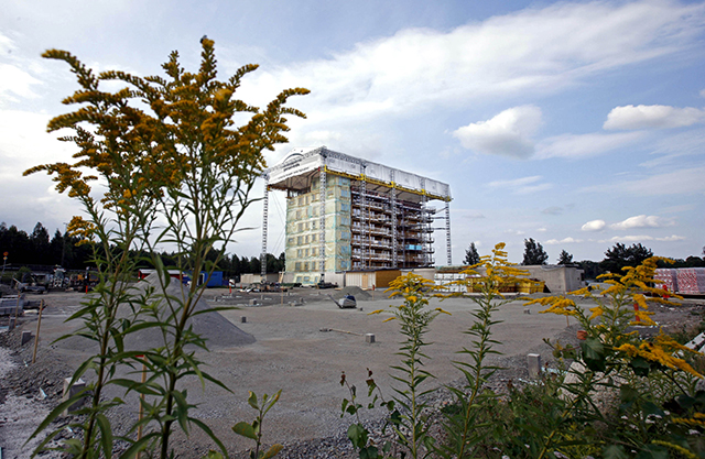 One of Europe's tallest wooden buildings, an apartment complex in Vaxjo, Sweden, is seen under construction on August 20, 2007. (AP Photo/John McConnico)