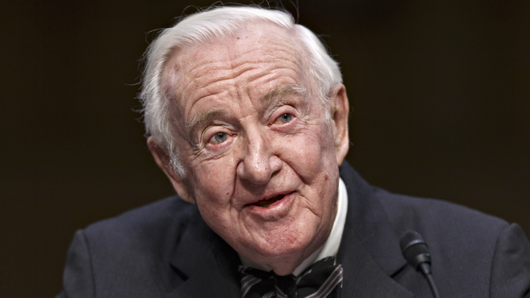 Retired Supreme Court Justice John Paul Stevens testifies before the Senate Rules Committee on Capitol Hill in Washington, April 30, 2014. (AP Photo)