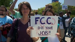 A Net neutrality protest outside Google's California headquarters. Aug. 13, 2010. (Image: Flickr/  Steve Rhodes)