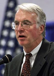 dward Gramlich, a member of the Federal Reserve Board,  speaks during a luncheon at Cleveland State University in this Sept. 24, 1999 file photo.