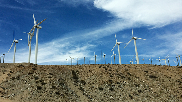 Wind turbines in California that helps generates electricity. (Photo: Homeandgardners/flickr CC 2.0)