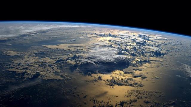(Photo: NASA//Reid Wiseman (@astro_reid))