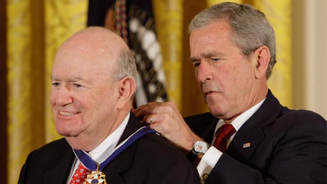 President Bush awarded Judge Laurence H. Silberman  the Presidential Medal of Freedom in 2008.  (AP Photo/Ron Edmonds)