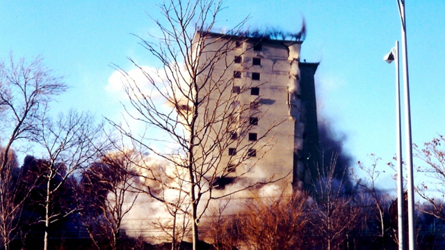 December 1998 demolition of S. Lake Park Avenue & 39th Street