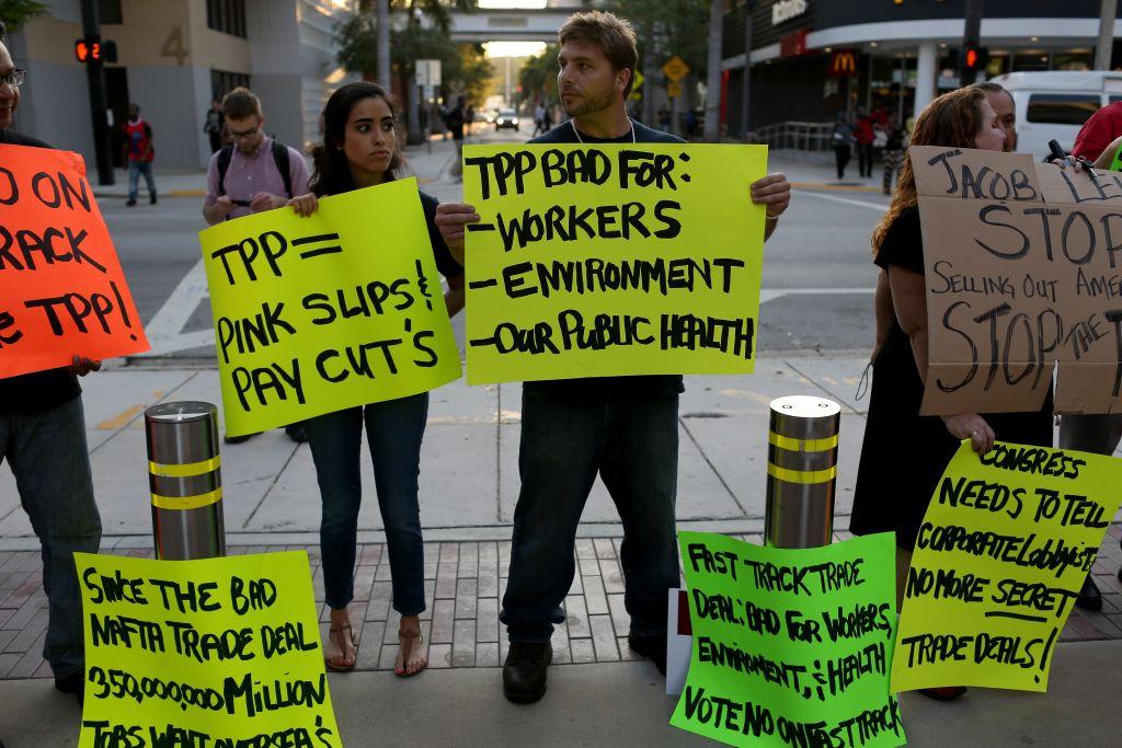 Anti-TPP protesters in Miami
