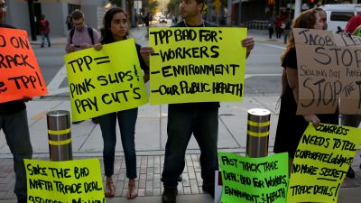 Anti-TPP protesters in Miami