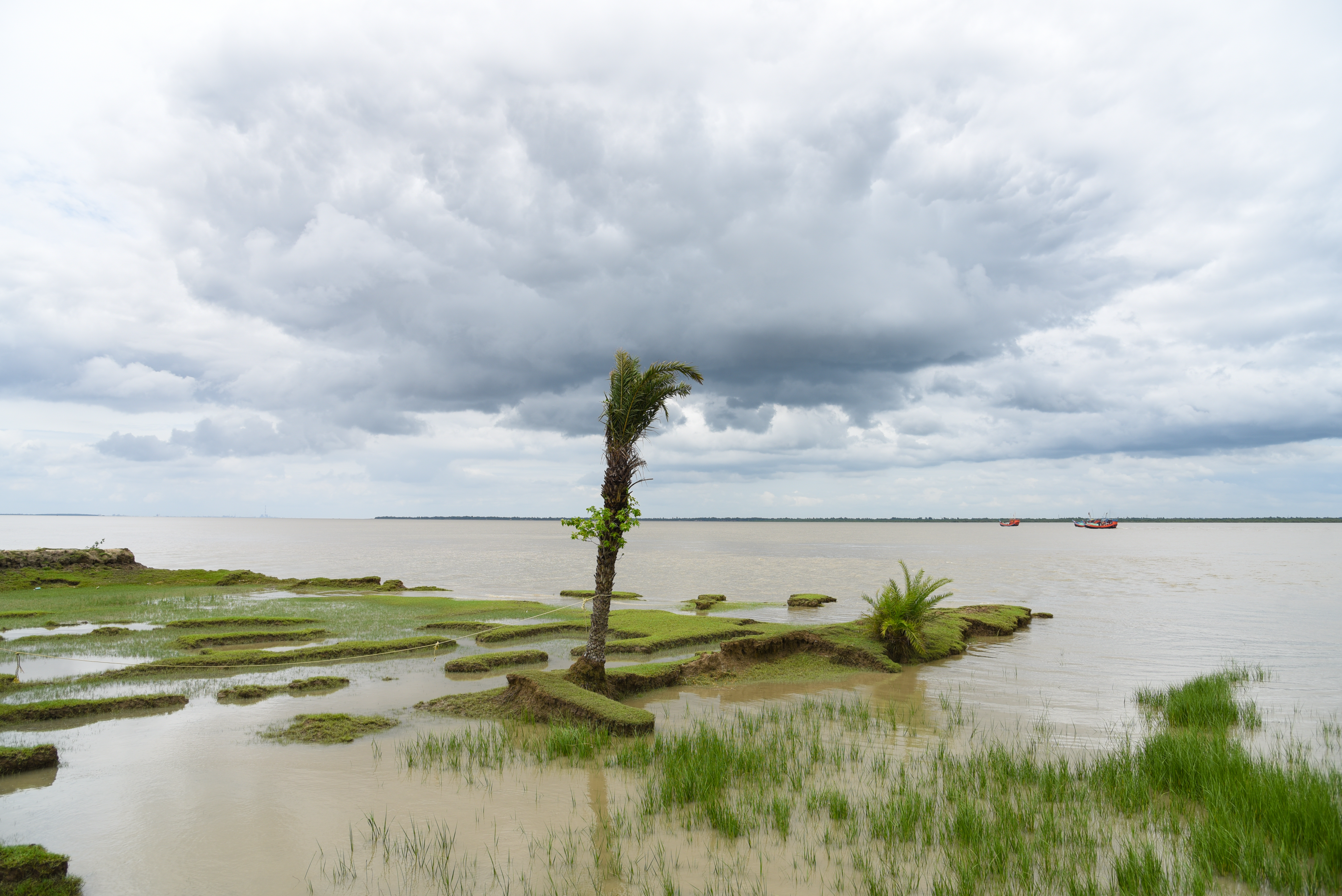 Ghoramara Island, near Kolkata, India, has lost 50 percent of its terrain to rising seas as a result of climate change, causing two-thirds of its population to move elsewhere. (Photo by Tanmoy Bhaduri/NurPhoto via Getty Images)