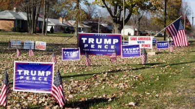 Trump yard signs in Ohio