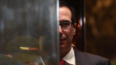 US President-elect Donald Trump adviser Steven Mnuchin arrives at the Trump Tower in New York on November 14, 2016. (JEWEL SAMAD/AFP/Getty Images)