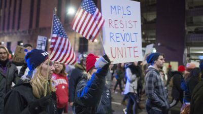 On February 27, 2017, about 1,000 protesters gathered to denounce Donald Trump and demand Minneapolis defend Muslims, accept immigrants, welcome refugees and support workers. They called on the Minneapolis government to expand sanctuary city protections for immigrants and pass a $15 per hour minimum wage for all workers. (Photo: Fibonacci Blue, Flickr CC 2.0)