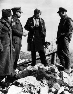 Journalist and writer Martha Gellhorn (1908-98), wife of American writer Ernest Hemingway and the US war correspondent in Italy talks to Indian soldiers of the British Army on the 5th Army's Cassino front in 1944. (Photo by Keystone/Getty Images)