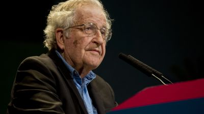 Noam Chomsky says he believes the United States has been on the wrong track since it adopted a neoliberal economic model — and things are about to get a whole lot worse. (Photo by Ministerio de Cultura de la Nación Argentina/ flickr CC 2.0)