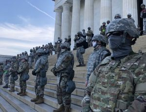 Soldiers guarding Lincoln Memorial on June 2, 2020. (Photo by Martha Raddatz / Twitter)